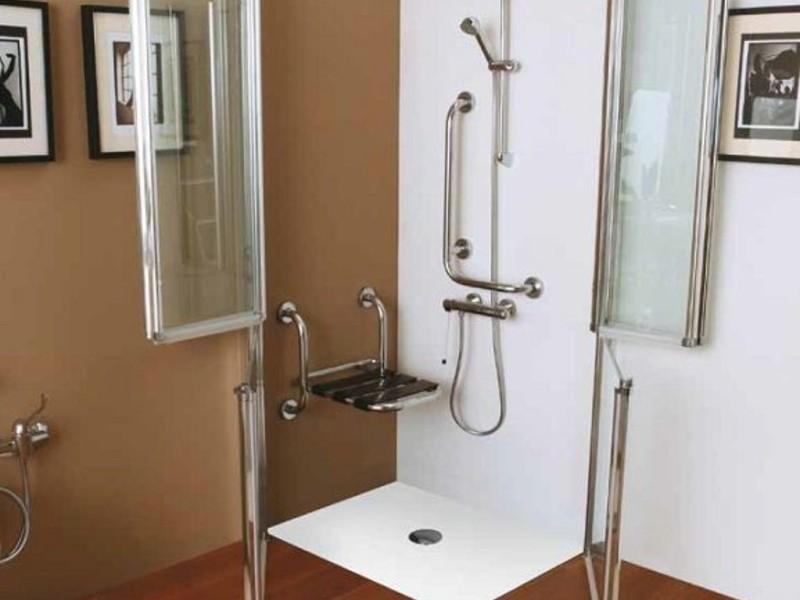 cabina doccia con piatto doccia filo pavimento