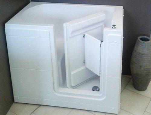 Vasca da bagno con seduta: l'importanza di una vasca a sedere per il bagno di anziani e disabili