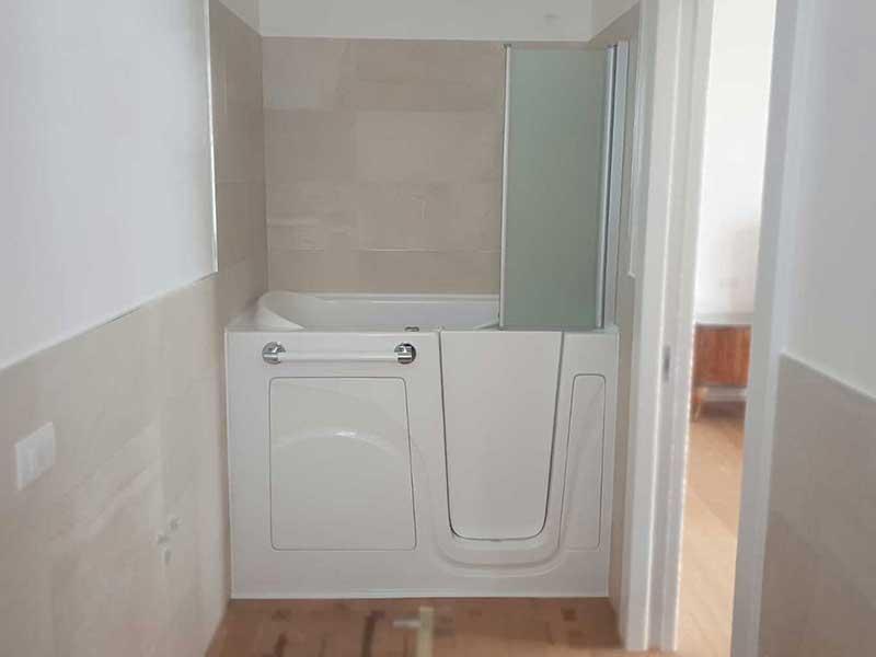 vasche con sportello e doccia integrata Genova