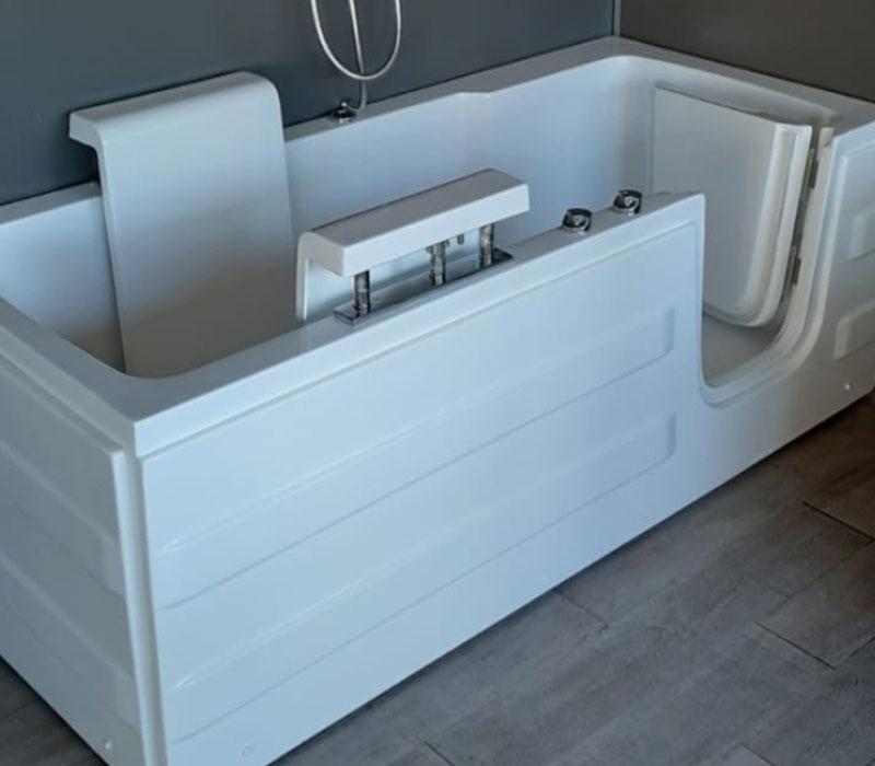 vasche da bagno con seduta motorizzata